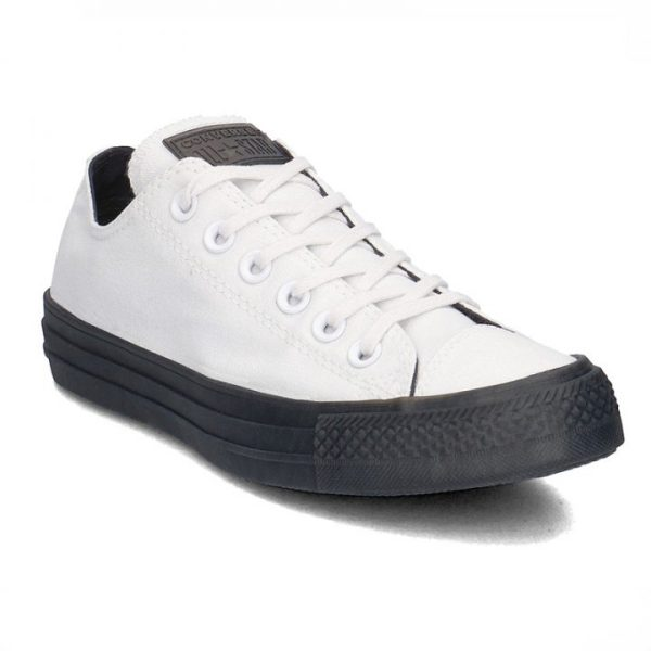 Boty Converse Chuck Taylor All Star Almost Black Ox angle